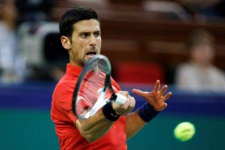 Djokovic cruises in Paris