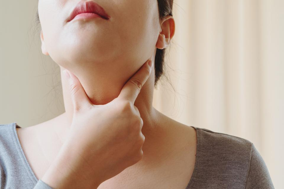 Your doctor can order blood tests that check your thyroid, and there are physical tests you can do to help spot problems. (Photo: PORNCHAI SODA via Getty Images)