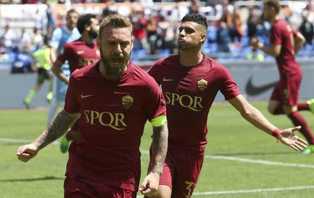 Football Soccer - AS Roma v Lazio - Italian Serie A - Olympic Stadium, Rome, Italy - 30/04/17 AS Roma's Daniele De Rossi celebrates after scoring first goal. REUTERS/Alessandro Bianchi