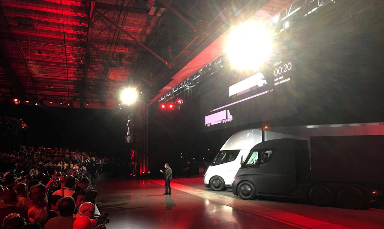 Tesla CEO Elon Musk shows off the Tesla Semi as he unveils the company's new electric semi truck during a presentation in Hawthorn, California, U.S., November 16, 2017. REUTERS/Alexandria Sage