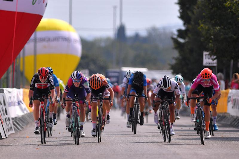 Marianne Vos wins stage 6 in Nola at the Giro Rosa