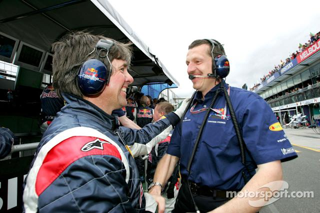 "Guenther Steiner celebra <span class=""copyright"">Red Bull Racing</span>"