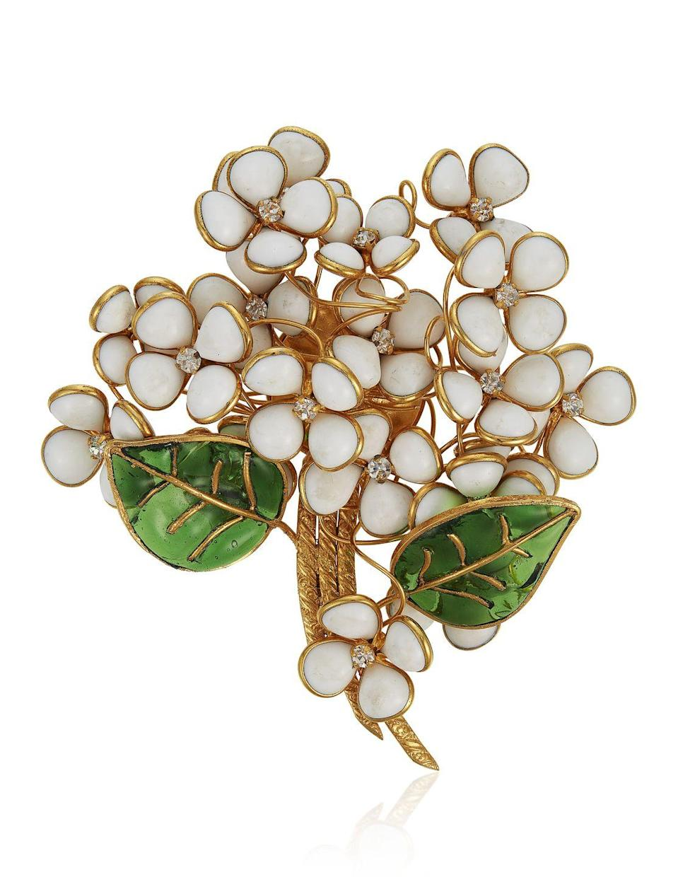 <p>This dainty floral brooch is estimated to be worth $500 to $700.</p>