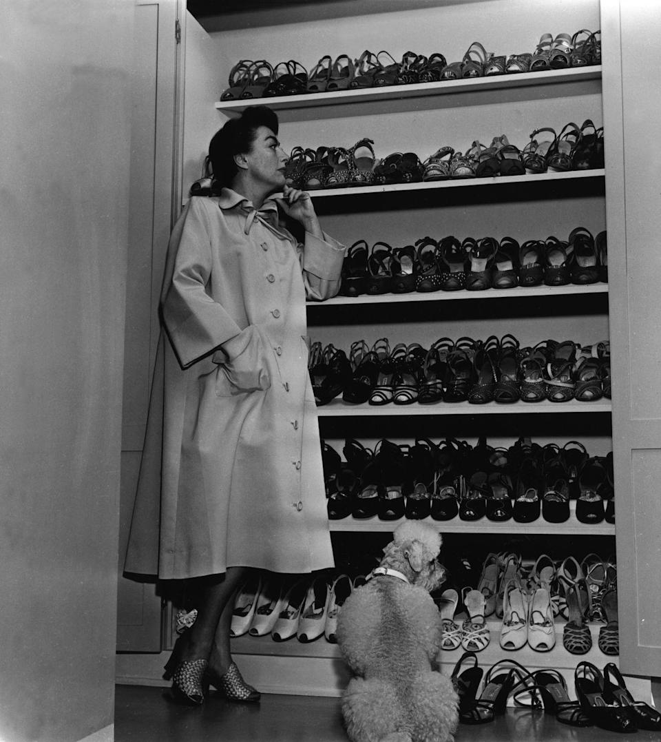 <p>In 1940, Joan decided to adopt as a single mother and welcomed daughter Christina. </p>