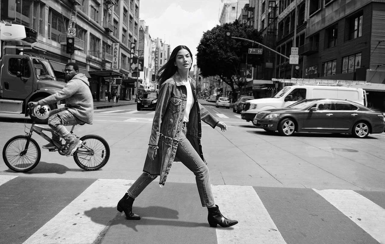 <p><strong>Model:</strong> Lily Aldridge<br /><strong>Photographer:</strong> Quentin de Briey<br />(Photo: courtesy of Levi's) </p>