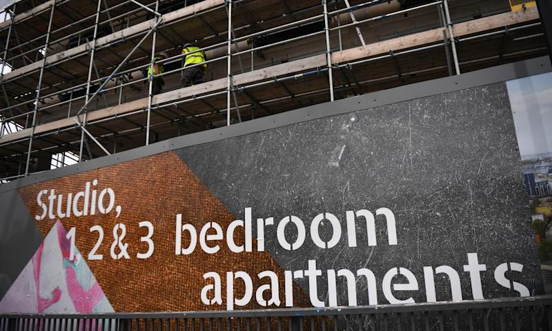 Competition watchdog investigates major housebuilders over leaseholds