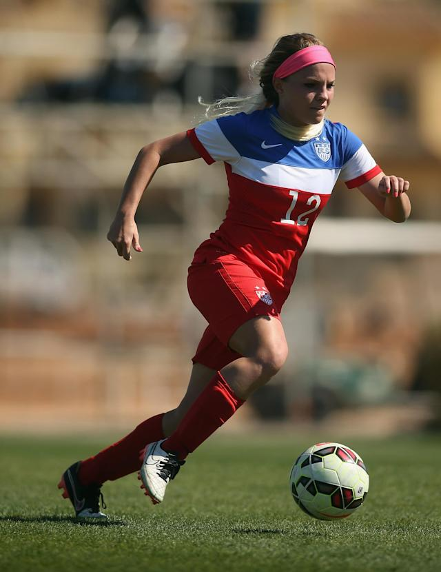 LA MANGA, SPAIN - MARCH 04: Mikaela Harvey of USA in action during the women's U23 international friendly match between USA U20 and England U23 on March 4, 2016 in La Manga, Spain. (Photo by Johannes Simon/Bongarts/Getty Images)