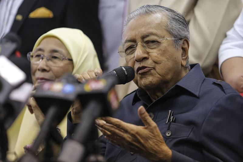 Mahathir refuted claims that the raid was uncalled for, stating that his administration will treat everyone 'decently'. — Picture by Yusof Mat Isa