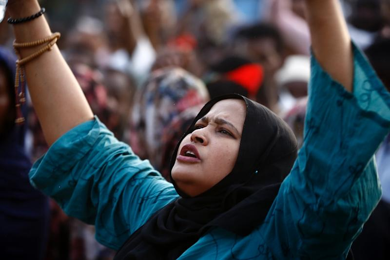 Chants like 'It fell again, it fell again' reverberated across the capital's squares and neighbourhoods, onlookers said (AFP Photo/ASHRAF SHAZLY)