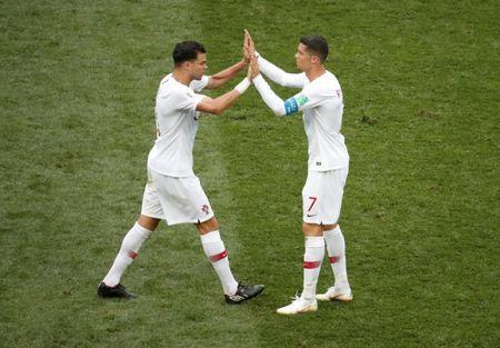 Soccer Football - World Cup - Group B - Portugal vs Morocco - Luzhniki Stadium, Moscow, Russia - June 20, 2018 Portugal's Cristiano Ronaldo celebrates victory with Pepe after the match REUTERS/Christian Hartmann