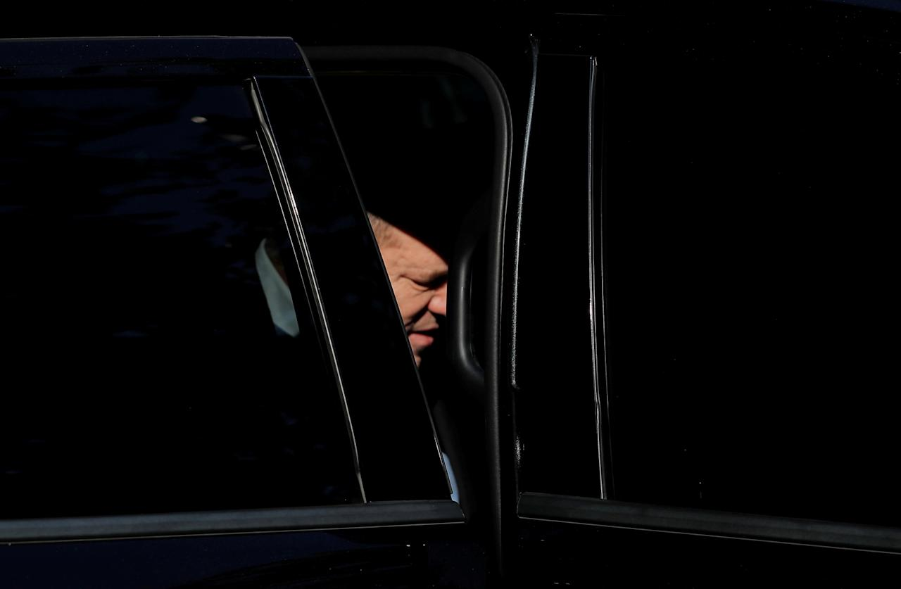 Film producer Harvey Weinstein is seen in a car as he leaves the 1st Precinct in Manhattan in New York, U.S., May 25, 2018. REUTERS/Lucas Jackson     TPX IMAGES OF THE DAY