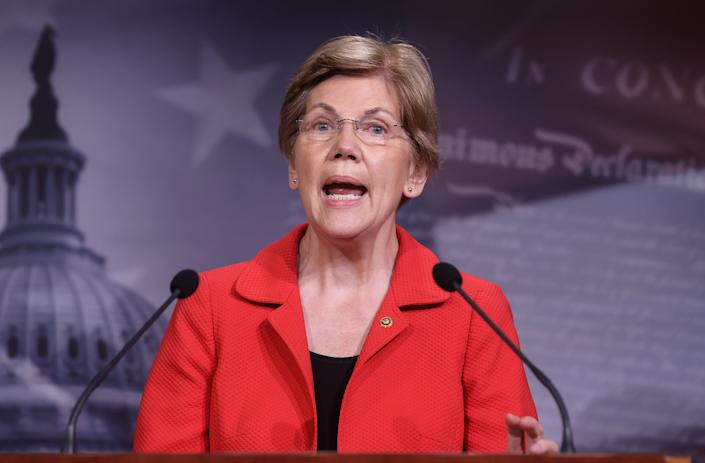 U.S. Senator Elizabeth Warren (D-MA) speaks to reporters during a news conference on Democrats' demand for an extension of eviction protections in the next coronavirus disease (COVID-19) aid bill on Capitol Hill in Washington, U.S., July 22, 2020. (Jonathan Ernst/Reuters)