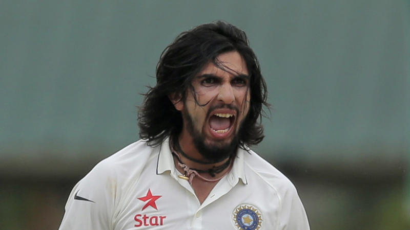 Sehwag Welcomes Ishant Sharma to Kings XI Punjab in Style