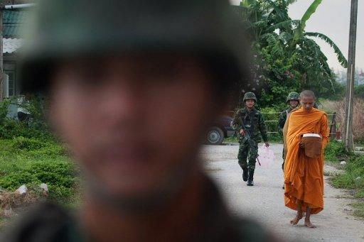 A group of six soldiers were attacked as they patrolled a road in the Mayo district of Pattani province
