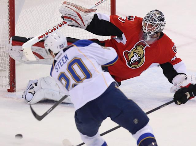 Ottawa Senators goaltender Robin Lehner (40) makes a pad save on St.Louis Blues Alexander Steen (20) during second period NHL hockey action in Ottawa Monday, Dec. 16, 2013. (AP Photo/The Canadian Press, Fred Chartrand)