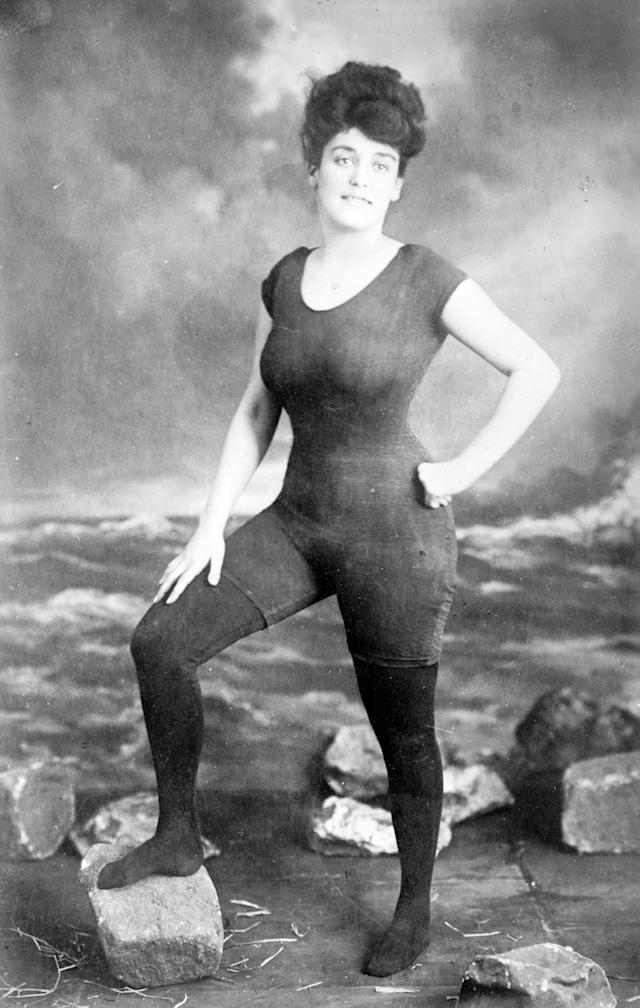 Annette Kellerman in her signature one-piece. (Photo: Alamy)