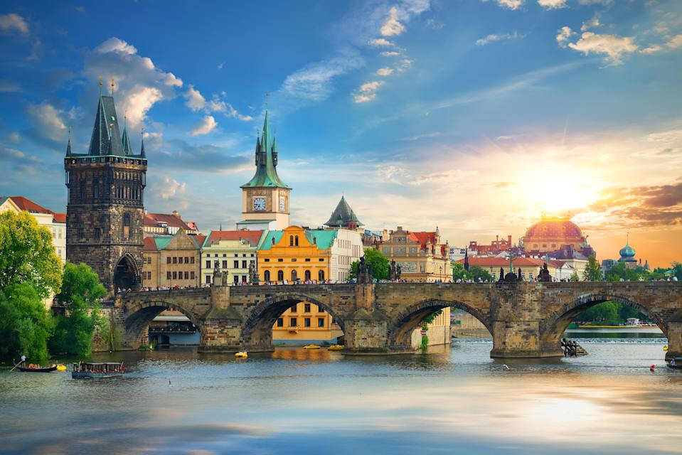 The Charles Bridge in Prague, capital of the Czech Republic. (Photo: Getty Images)
