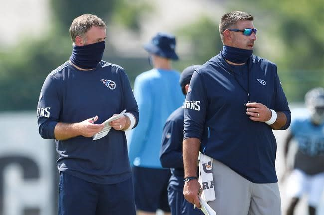 Answer on who's calling Titans' defensive plays elusive