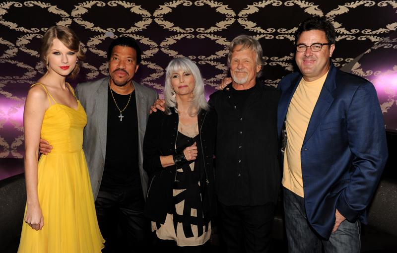 "Taylor Swift, Lionel Richie, Emmylou Harris, Kris Kristofferson and Vince Gill,  Country Music Hall of Fame's ""All For The Hall"" Los Angeles, CA"