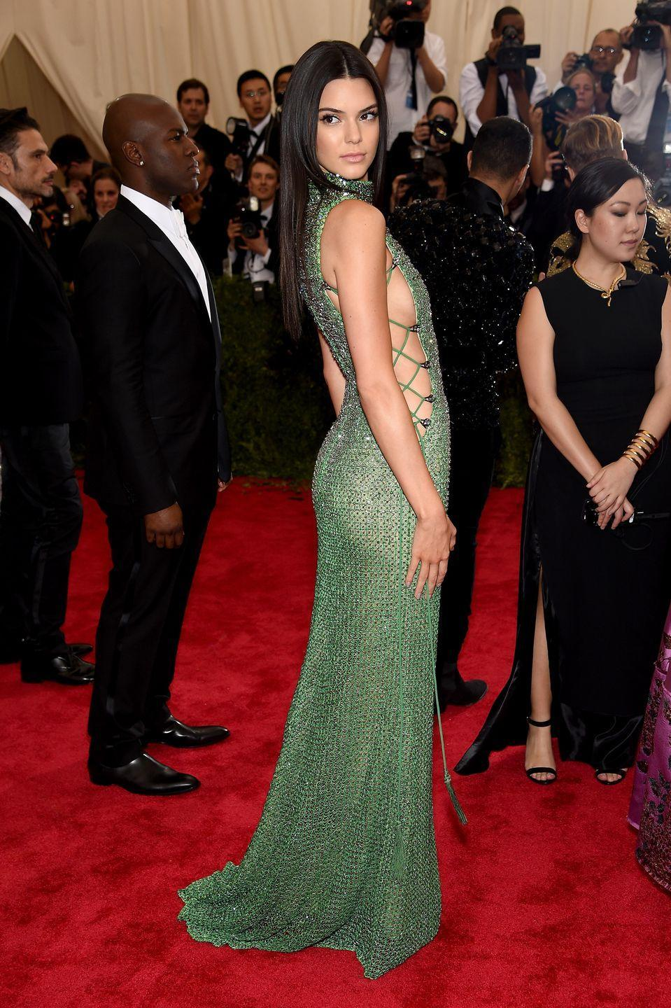 <p>From the emerald-colored crystals to the cascading train, the Calvin Klein gown Kendall Jenner wore to the 2015 Met Gala gives us serious mermaid vibes. </p>
