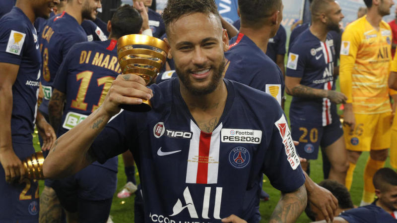 PSG squeeze past Lyon to take French League Cup final