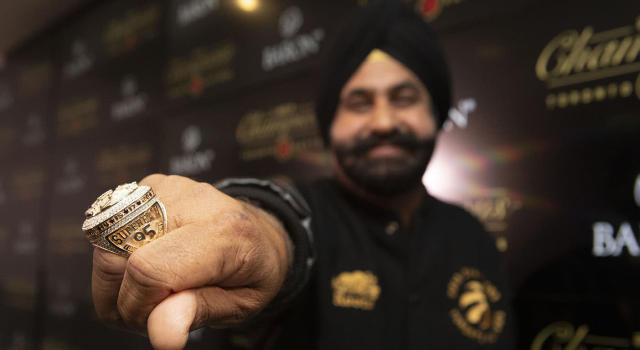 'Superfan' Nav Bhatia even received his own ring. (THE CANADIAN PRESS/Chris Young)