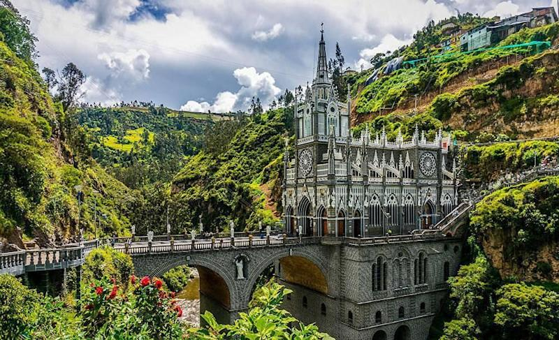 Las Lajas Cathedra; An usual location choice for a church
