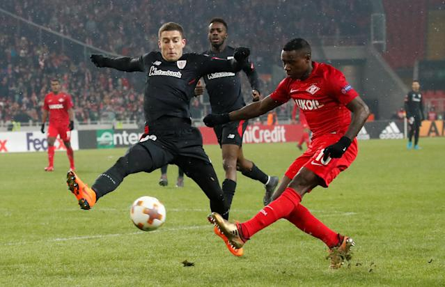 Soccer Football - Europa League Round of 32 First Leg - Spartak Moscow vs Athletic Bilbao - Otkrytiye Arena, Moscow, Russia - February 15, 2018 Spartak Moscow's Quincy Promes in action with Athletic Bilbao's Oscar de Marcos REUTERS/Maxim Shemetov