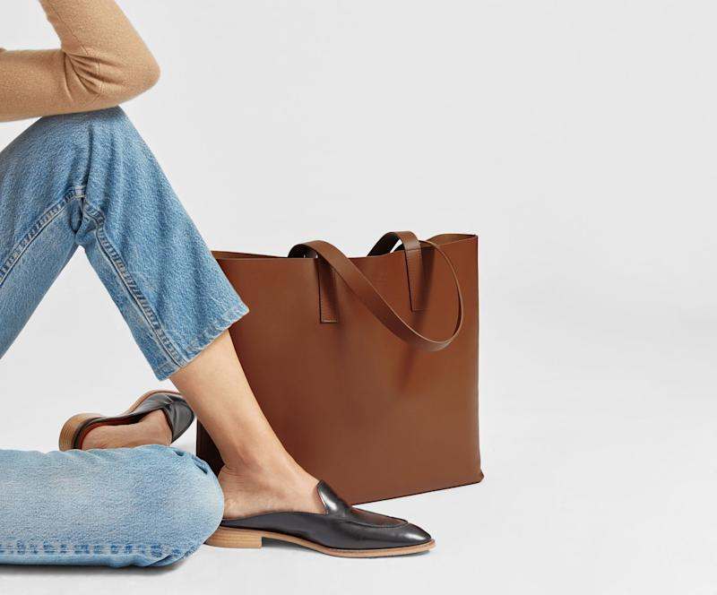 Everlane's popular leather tote bag is as versatile as they come. Here's why it's such a best-seller. (Photo: Everlane)