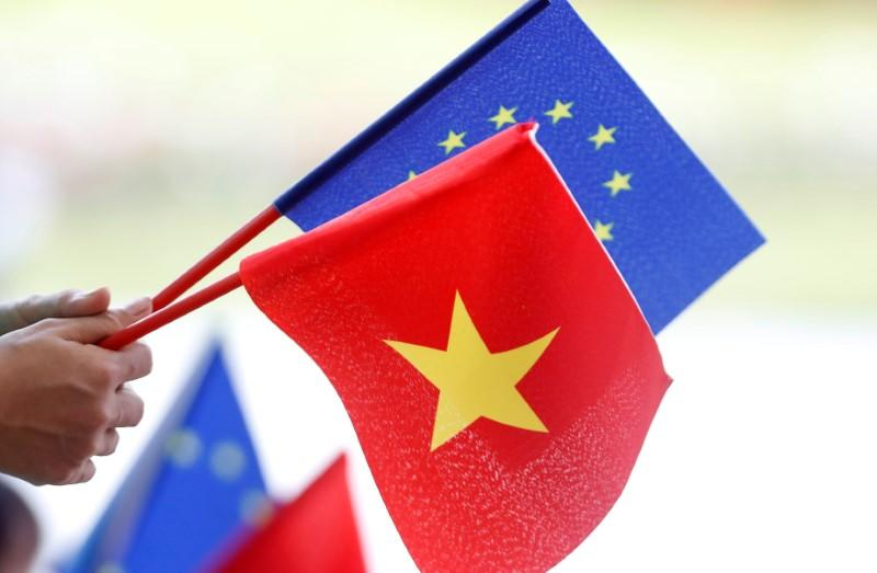 EU lawmakers give initial backing to Vietnam trade deal