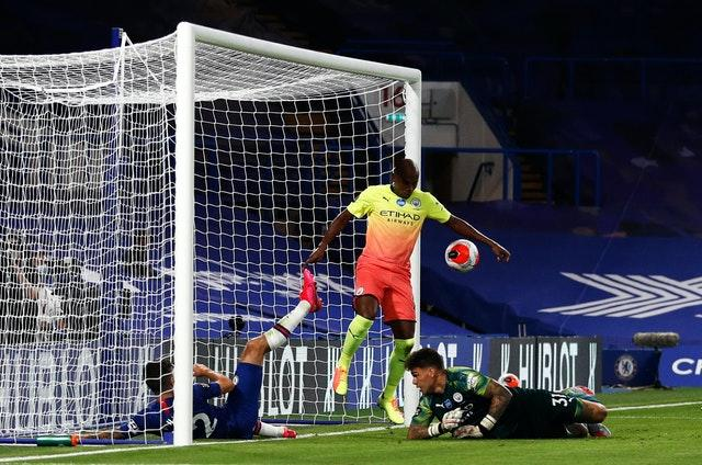 Fernandinho handled on the goalline to gift Chelsea the winning penalty