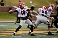 Georgia quarterback JT Daniels throws during the first half of an NCAA college football against Missouri game Saturday, Dec. 12, 2020, in Columbia, Mo. (AP Photo/L.G. Patterson)