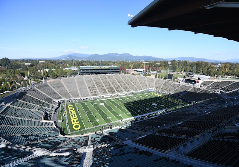 EUGENE, OR - OCTOBER 05: A general view of Autzen Stadium prior to the start of the game during a college football game between the Cal Bears and Oregon Ducks at Autzen Stadium in Eugene, Oregon. (Photo by Brian Murphy/Icon Sportswire via Getty Images)