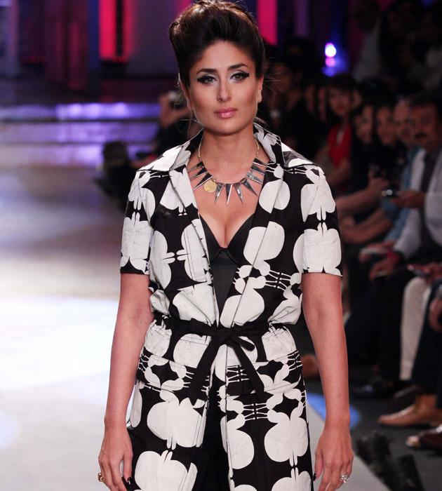 Kareena sizzled on the ramp on the last day of the Lakme Fashion Week