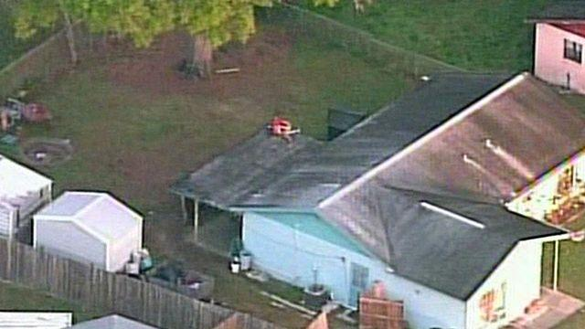 Massive hole opens up under Florida home