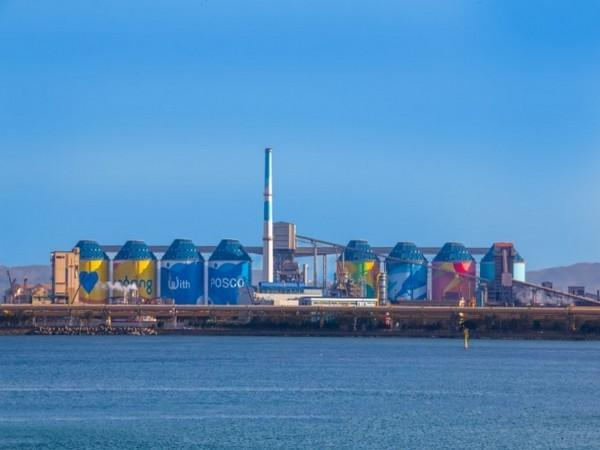 The eight newly constructed silos at Pohang Works.