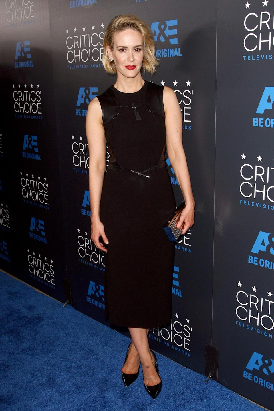 "Winner of the best supporting actress in a movie or mini-series for her work in ""American Horror Story: Freak Show,"" Sarah Paulson was also a stand out on the red carpet in a black Prabal Gurung dress."