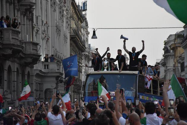 ROME, ITALY, JULY 12: Italy's players celebrate on an open double decker in downtown Rome, Italy on July 12, 2021, after their victory of the UEFA EURO 2020 football tournament in the final played on July 11 at Wembley stadium in London against England. (Photo by Baris Seckin/Anadolu Agency via Getty Images) (Photo: Anadolu Agency via Anadolu Agency via Getty Images)