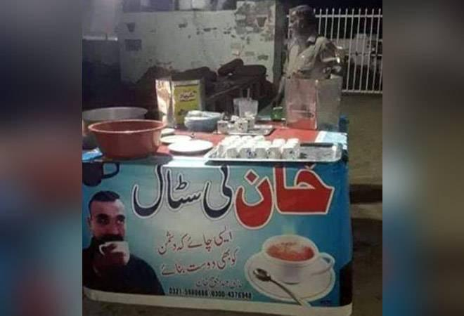 This self-promotion of a Pakistani tea seller to boost his profits manifests the interest the IAF pilot has generated amongst people in the two countries. Social media user are also marveling at the vendor's marketing skills.