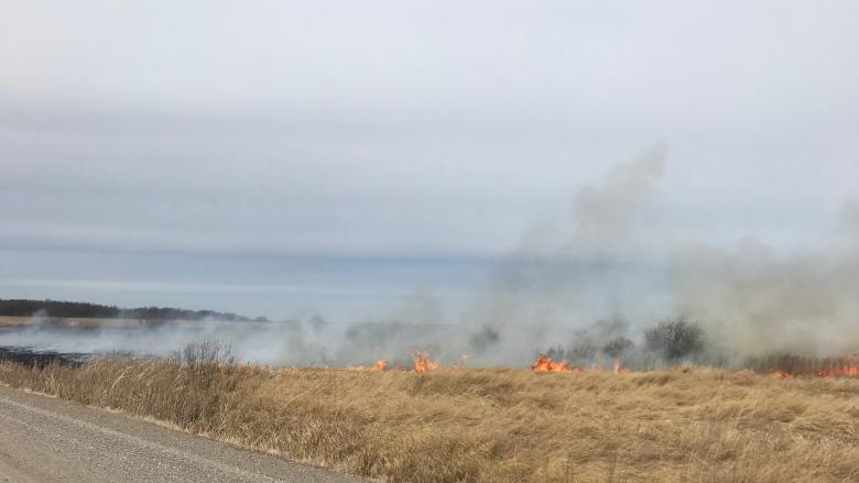 Grass fire burns in St. Clements, inside Brokenhead Ojibway Nation