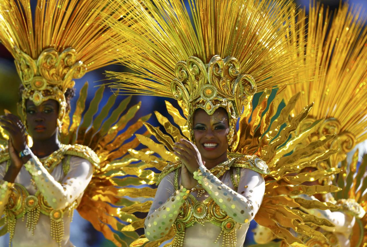 A performer dances during the 2014 World Cup closing ceremony at the Maracana stadium in Rio de Janeiro July 13, 2014. REUTERS/Eddie Keogh (BRAZIL - Tags: SOCCER SPORT WORLD CUP)
