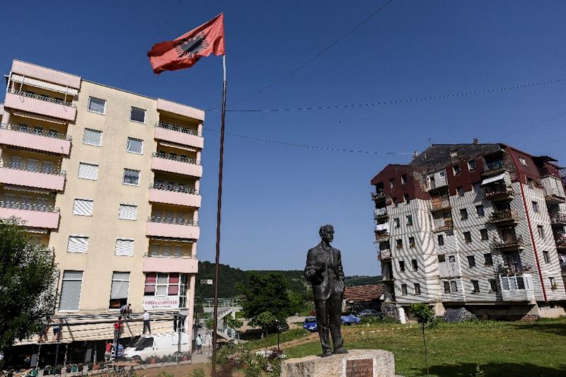 A project in Kamenica in eastern Kosovo aims to help get the town's Albanian and Serb communities talking (AFP Photo/Armend NIMANI)