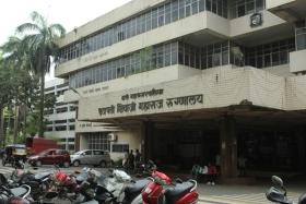 Remove 35 decomposed unclaimed bodies: Thane hospital mortuary to police