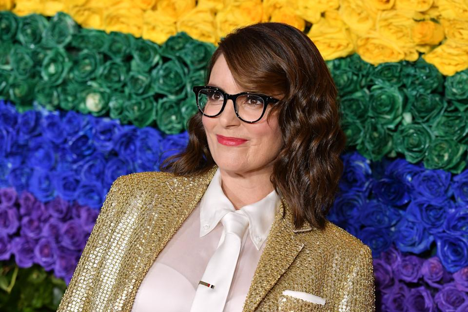 Actress and writer Tina Fey, 50, explained that she won't delve into political jokes when she co-hosts Sunday evening's Golden Globe Awards. (Photo: ANGELA WEISS/AFP via Getty Images)