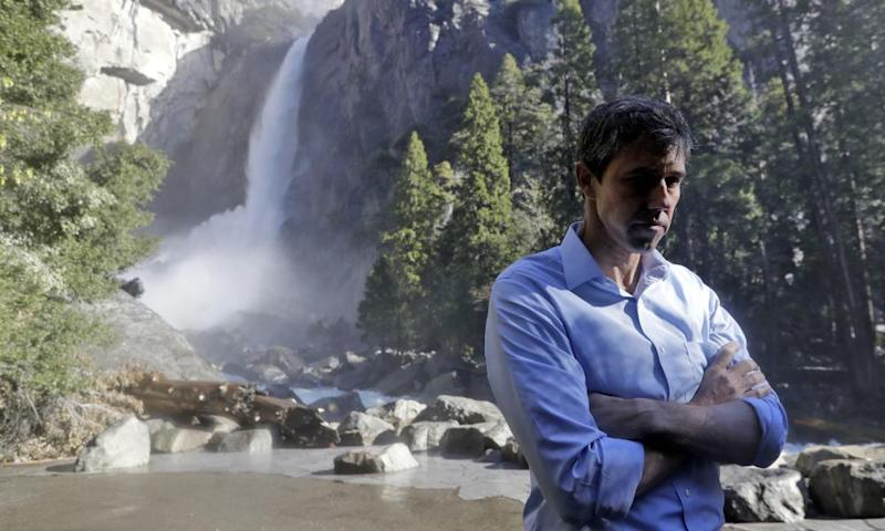 Beto O'Rourke listens to environmental advocates on 29 April 2019, in Yosemite national park, California.