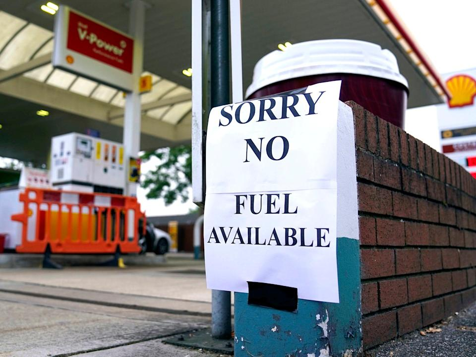 A Shell petrol station in Bracknell, Berkshire, which has no fuel (PA)