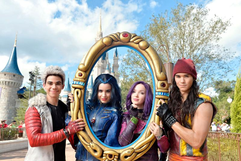 Dove Cameron on set of Descendants with co-stars
