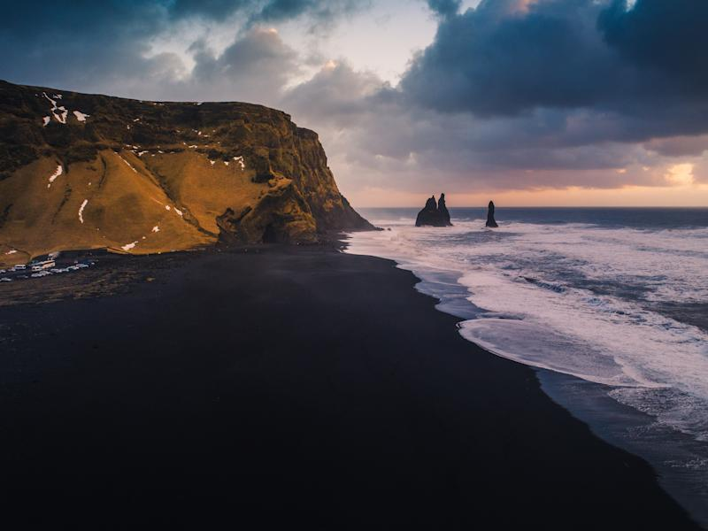Picture of Reynisfjara Beach in Iceland, where a group of tourists found themselves in danger when they didn't listen to their tour guide.