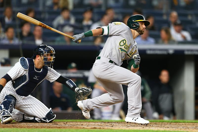 Healed, A's Fowler makes it to Yankee Stadium, gets 1st hit