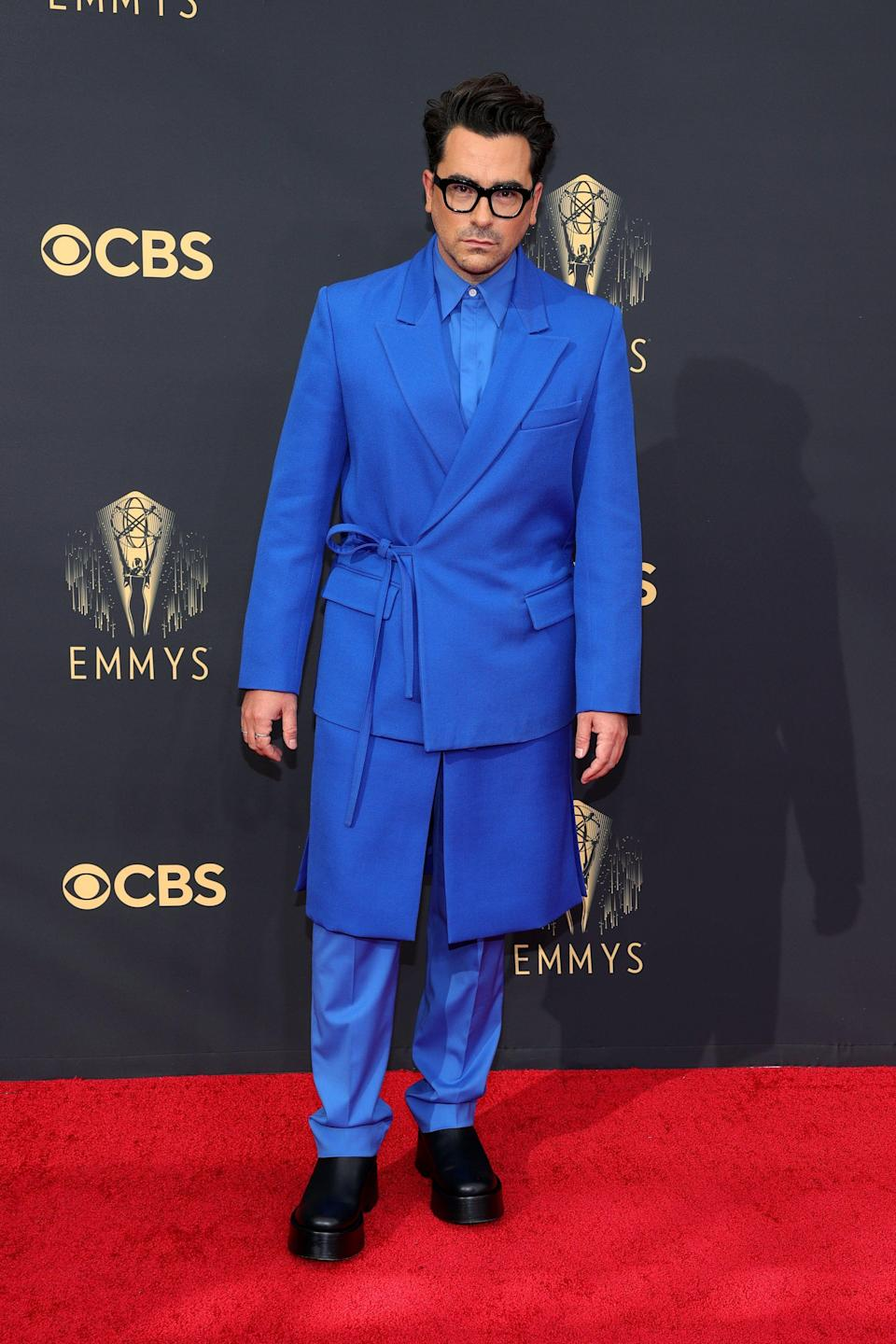 """<div class=""""paragraphs""""><p>Dan Levy in Valentino Haute Couture.</p></div>"""